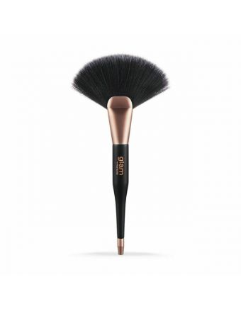 Glam by Manicare Highlight/ Contour Fan Brush